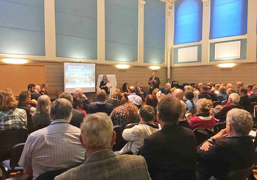 A-packed-housing-Seminar-in-Truro